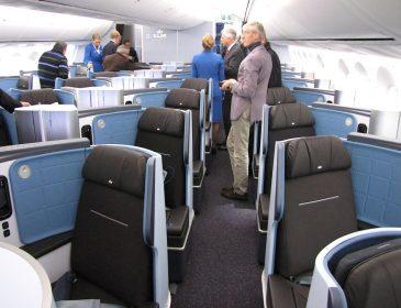 KLM: Flota de Airbus A330 va primi noi interioare pentru World Business Class