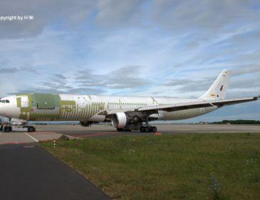 Primul Airbus A330-300F DHL a fost convertit din avion de pasageri în cargo în Dresda (FOTO)