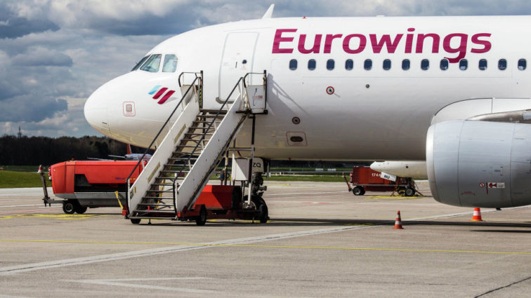 Zeci de pasageri ai unui zbor Eurowings au ratat îmbarcarea datorită grabei pilotului