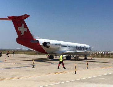 Primii pasageri care au aterizat pe Aeroportul Delta Dunării Tulcea au venit din Elveția (Foto)