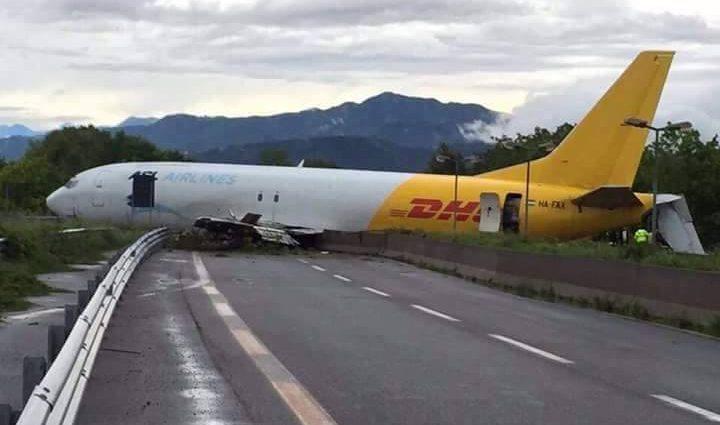 INCIDENT: Un Boeing 737 al ASL Airlines (Ungaria) a ieșit de pe pista aeroportul din Bergamo (UPDATE)