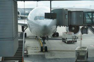 Boeing-ul 777-300ER F-GZNE văzut din terminalul 2E (Foto: BoardingPass.ro)