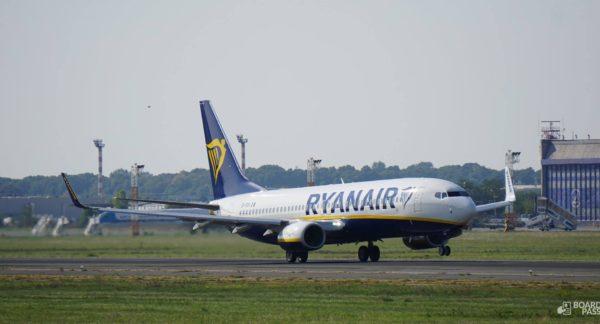 INCIDENT: un Boeing 737 Ryanair a depășit pragul fizic al pistei 08L la aterizare pe aeroportul Otopeni