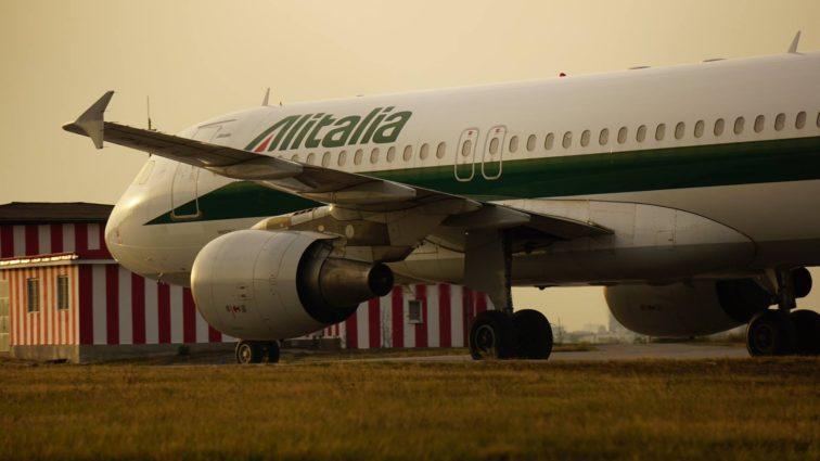 Oficial: Alitalia se retrage din România, anulează zborurile de la București către Roma, ultimul zbor va fi în 31 Ianuarie
