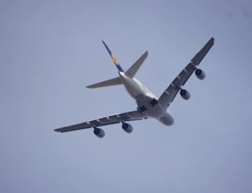 Lufthansa va muta 5 Airbusuri A380 de la baza din Frankfurt către cea din Munchen