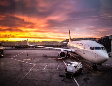 Sistemul informatic al Delta Air Lines a cedat iar majoritatea zborurilor au fost anulate