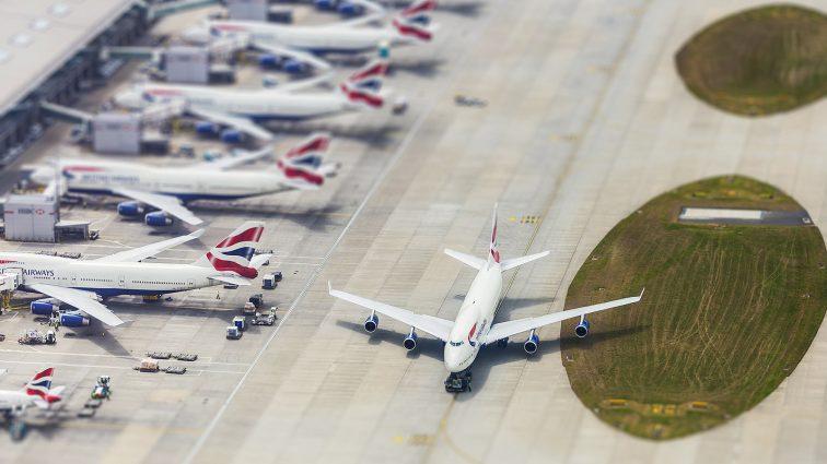 Analiză Financial Times: Companiile aeriene europene se confruntă cu mai multe reduceri și consolidări