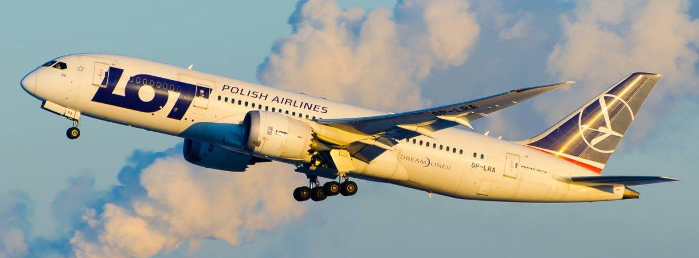 Ofertă LOT: zboruri la reducere din București și Cluj către Polonia, America de Nord și Asia