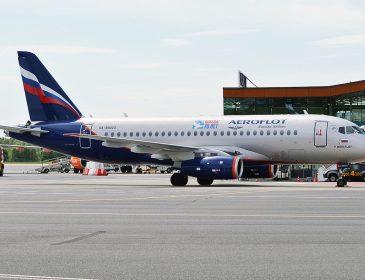 Aeroflot comandă alte 10 Sukhoi Superjet 100 și probabil cedează drepturile de achiziție a celor 22 Boeing-uri 787 Dreamliner