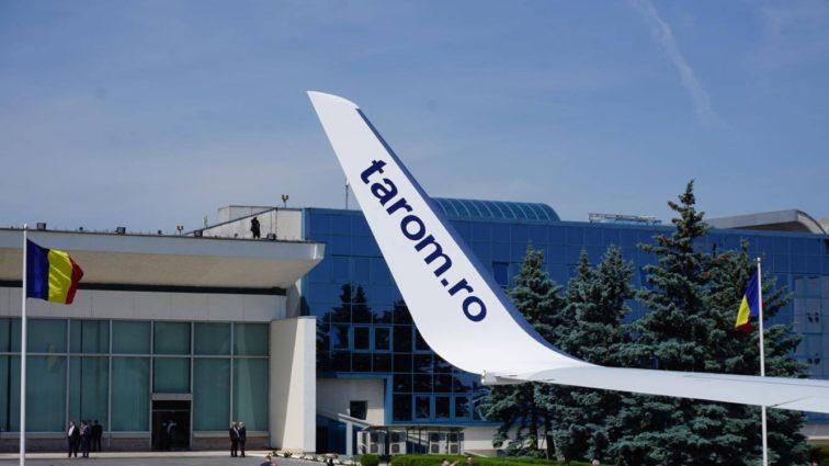 TAROM angajează 15 copiloți de Boeing 737