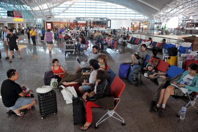 Aproape 700 de zboruri anulate – aeroportul din Bali a fost închis temporar