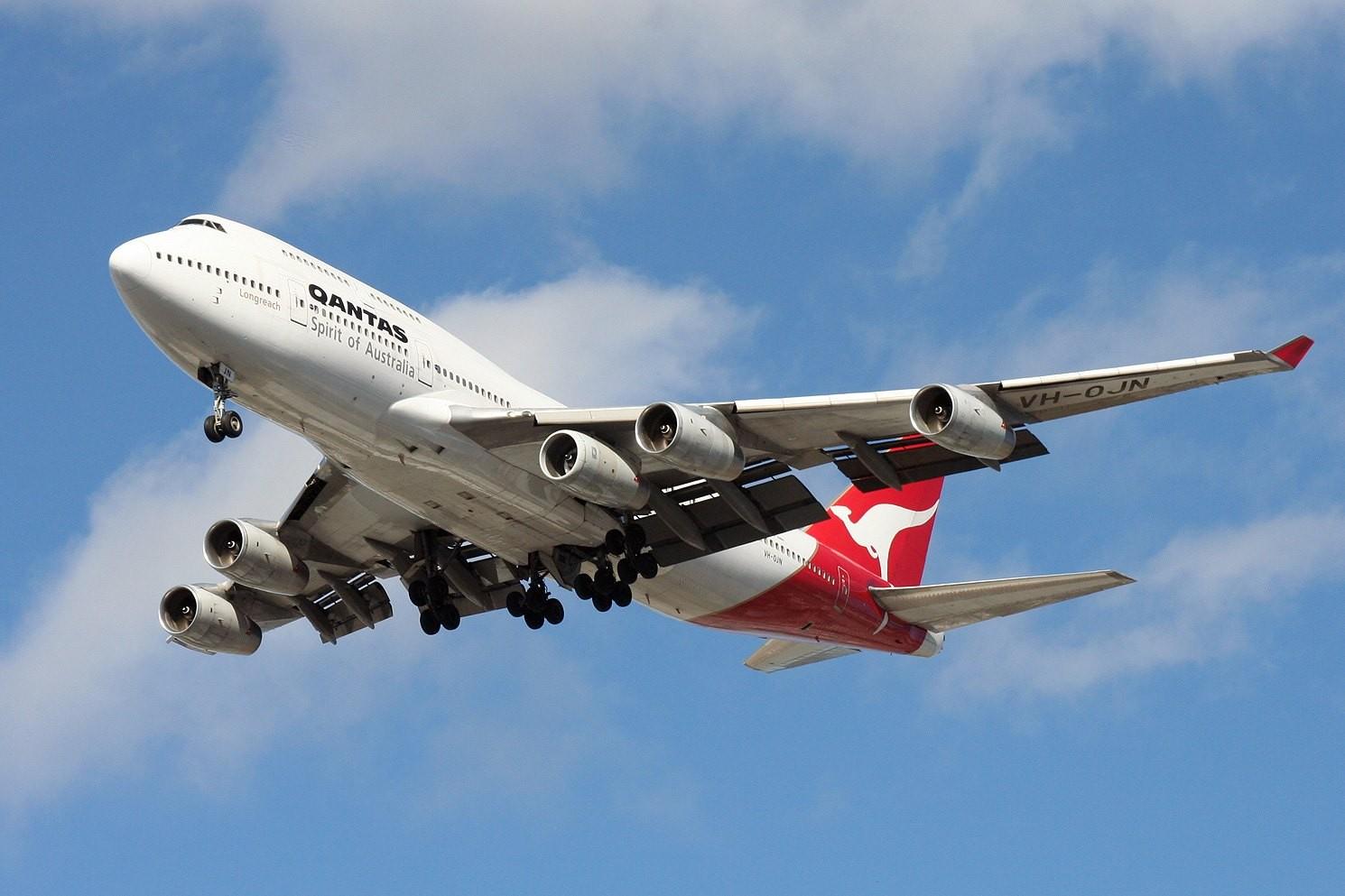 Qantas: Zborul QF63 către Johannesburg a fost operat cu un Boeing 747 având cinci motoare