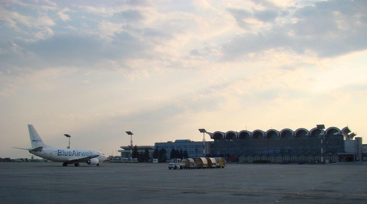 Compania Blue Air oferă gratuit un meniu cald pasagerilor cursei București – Glasgow și retur
