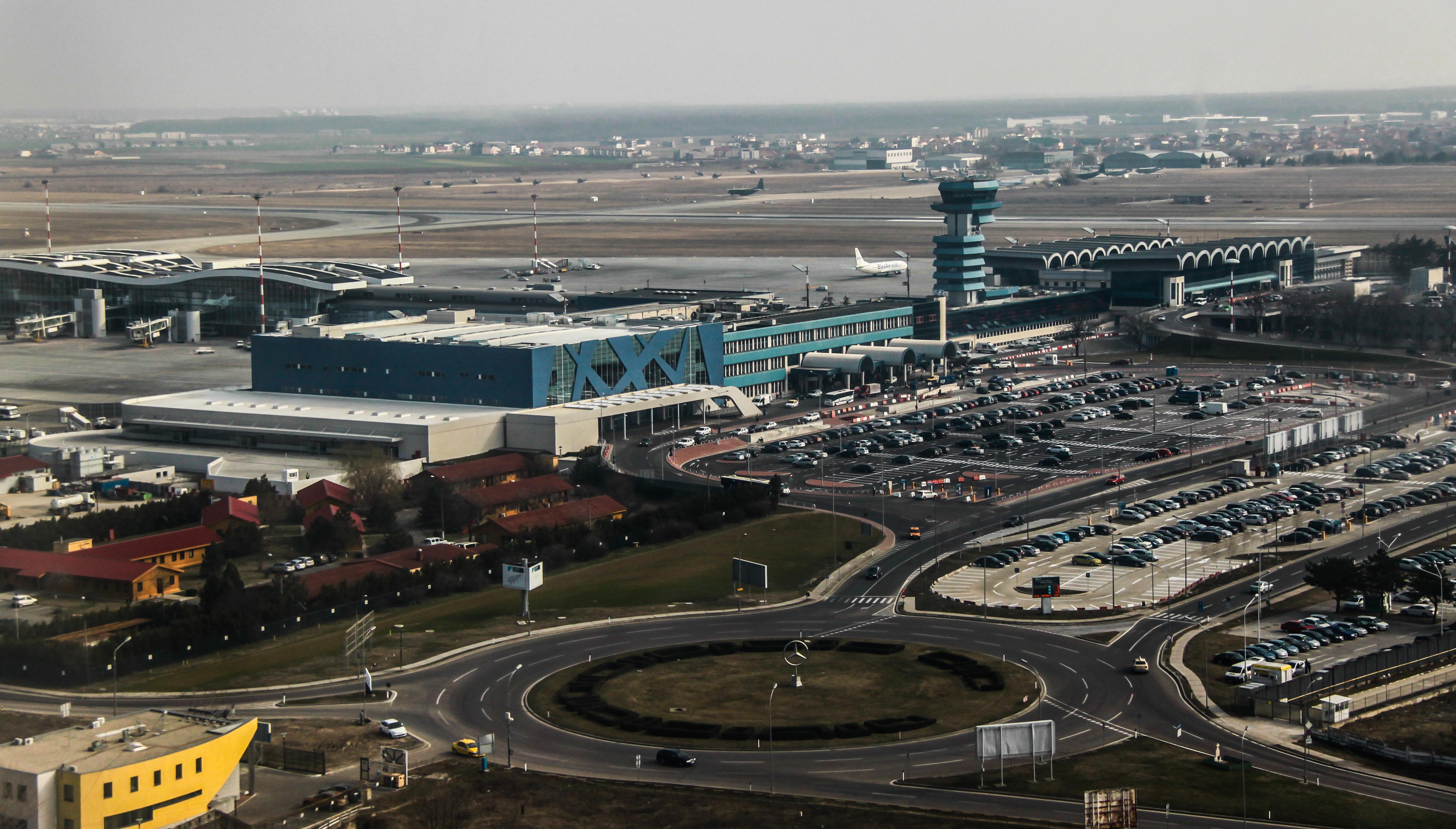 Trafic aerian record înregistrat pe aeroporturile din București în anul 2015