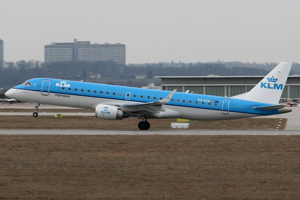 Compania KLM oferă bilete pentru București – New York cu prețuri începând de la 540 euro