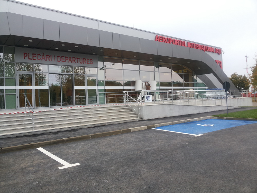 Modificări în programul de zboruri al Aeroportului Internaţional Iaşi