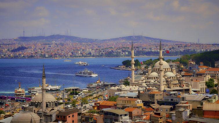 Ofertă specială TAROM pentru Rusalii, cu destinația Istanbul