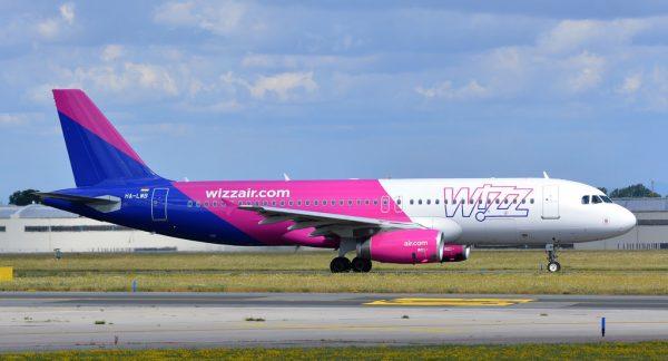 Rute noi: Wizzair lansează zboruri din Cluj către Viena și Lyon