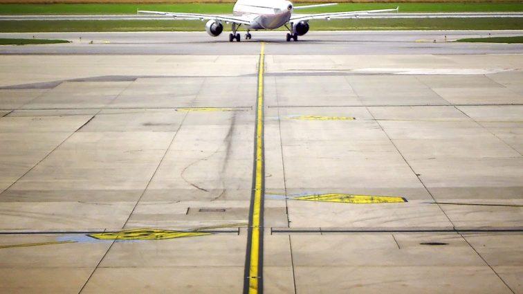 Zboruri întârziate și altele anulate la aeroportul din Viena din cauza unor probleme tehnice