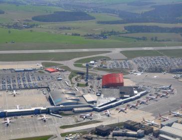 Record: 14 milioane de pasageri au tranzitat aeroportul din Luton în acest an