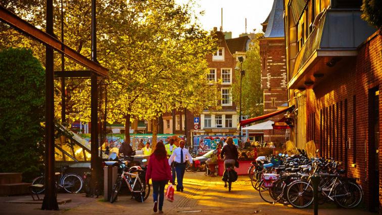 Ofertă specială TAROM pentru Rusalii, cu destinația Amsterdam