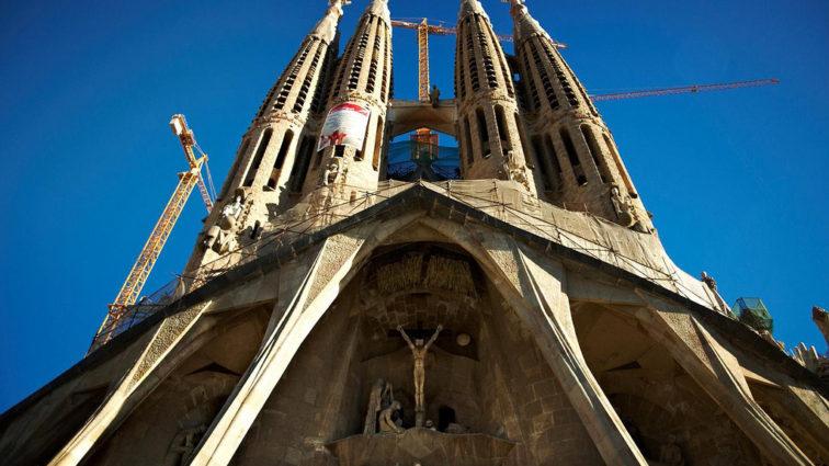 Ofertă specială TAROM pentru Rusalii, cu destinația Barcelona