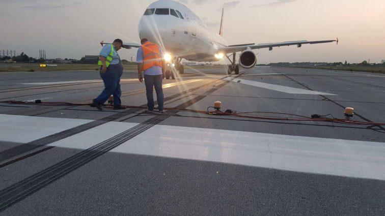 INCIDENT: un Airbus A321 Turkish Airlines a depășit la aterizare pragul fizic al pistei 08L de la Otopeni (FOTO)