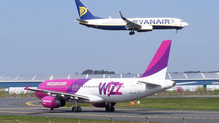 """Ryanair se retrage din Ucraina (urma să opereze din Octombrie), iar Wizzair le dă o replică de rămas bun în """"stilul Ryanair"""""""