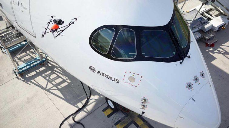 Airbus a arătat cum se realizează inspecția aeronavelor cu ajutorul dronelor în cadrul salonului aviatic Farnborough