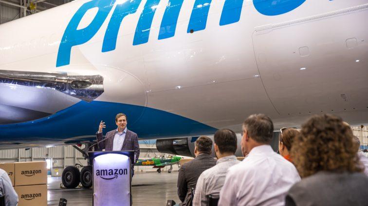 Amazon lansează Prime Air, propriile sale avioane dedicate pentru transportul mărfurilor