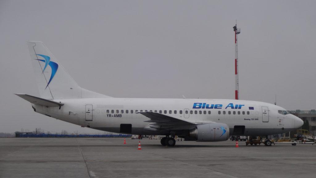 Boeing 737 Blue Air la Iași // Foto: Valentin Moise