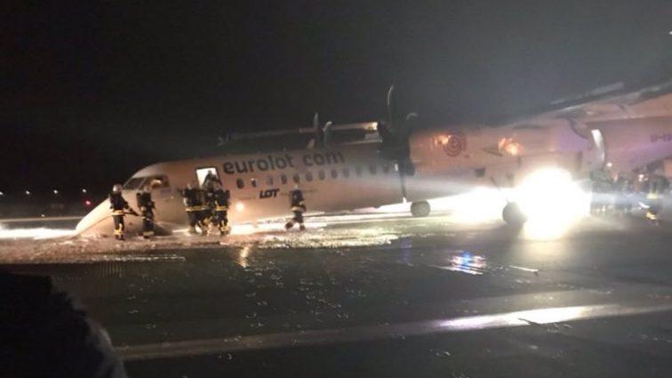 Probleme la Varșovia, aeroportul este închis din cauza unei aterizări cu probleme (FOTO)