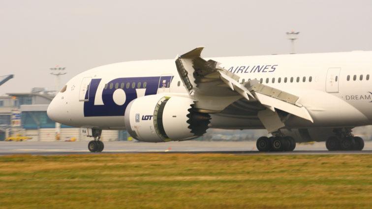 Zbor special: Vineri, 21 Aprilie, LOT va zbura din New York către Cracovia cu Boeing 787 Dreamliner