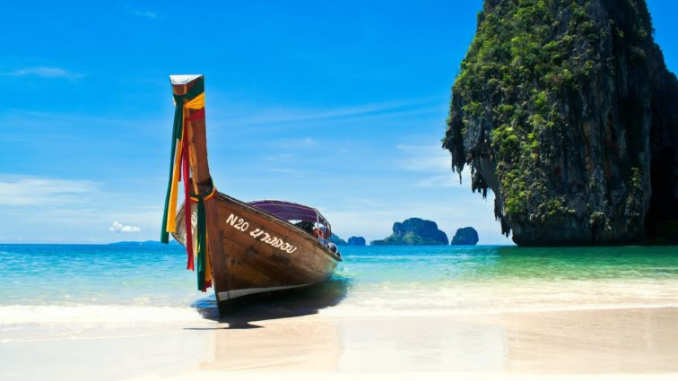 Turkish Airlines zboară începând de ieri către Phuket; aceasta este ruta cu numărul 300 operată de THY