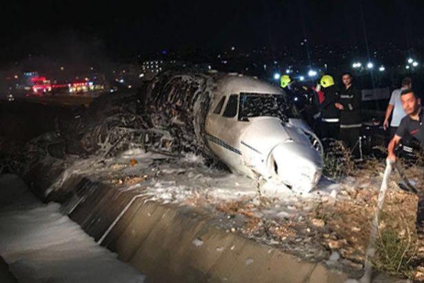 ACCIDENT: Un Cessna 650 s-a prăbușit în această seară pe aeroportul Ataturk din Istanbul (FOTO/VIDEO)