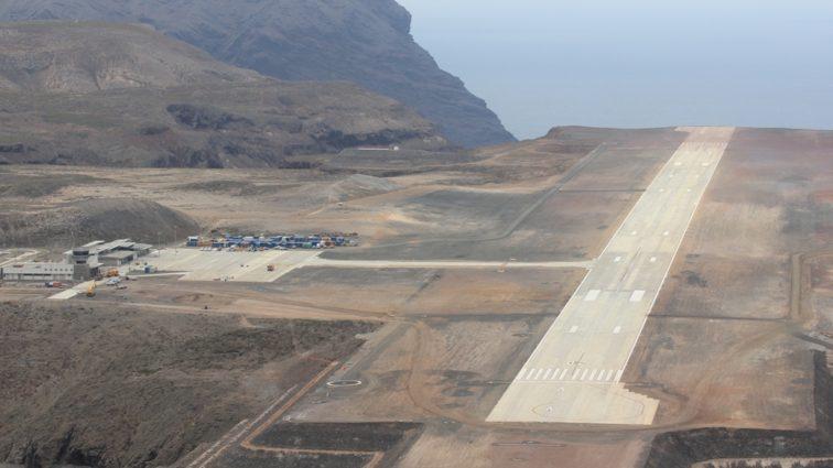 Guvernul britanic a cheltuit $400 milioane pentru a construi un aeroport impracticabil