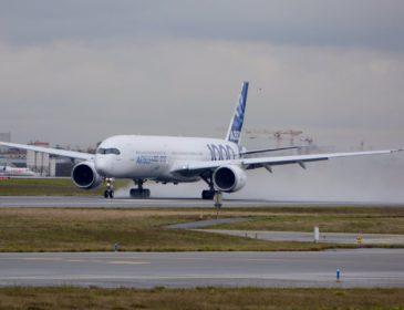 Primul Airbus A350-1000 a efectuat astăzi cu succes primul său zbor