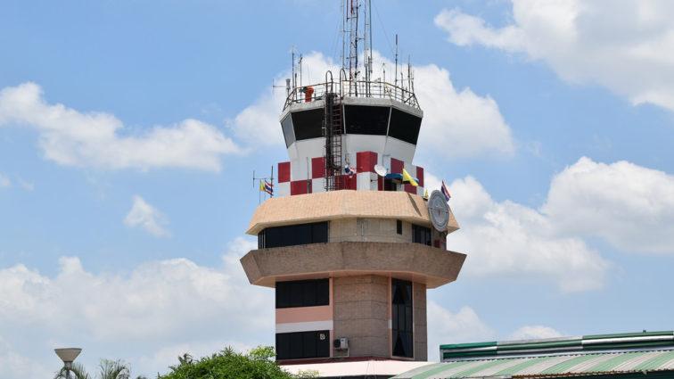 Controlorii de trafic aerian din Grecia protestează timp de 4 zile, zborurile TAROM de duminică sunt afectate (ACTUALIZAT)
