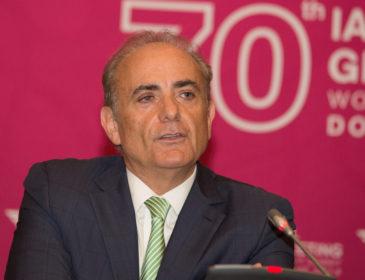 Românul Călin Rovinescu, CEO Air Canada, a fost numit CEO-ul anului 2016
