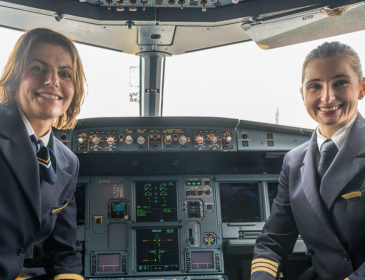 8 Martie: 12 femei vor fi la manșa a șase avioane din grupul Lufthansa care vor zbura către Berlin