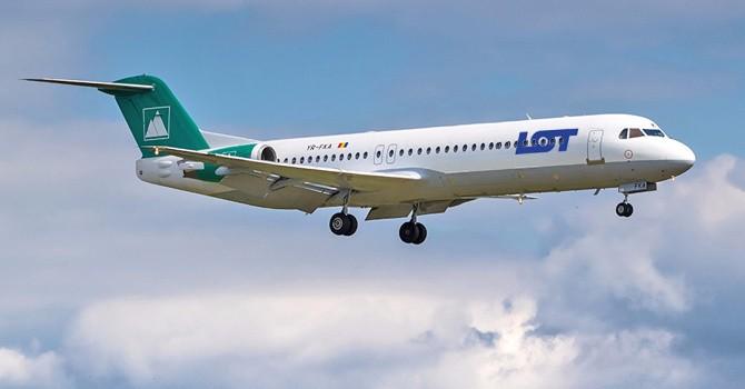 LOT Polish Airlines închiriază un Fokker 100 al CarpatAir