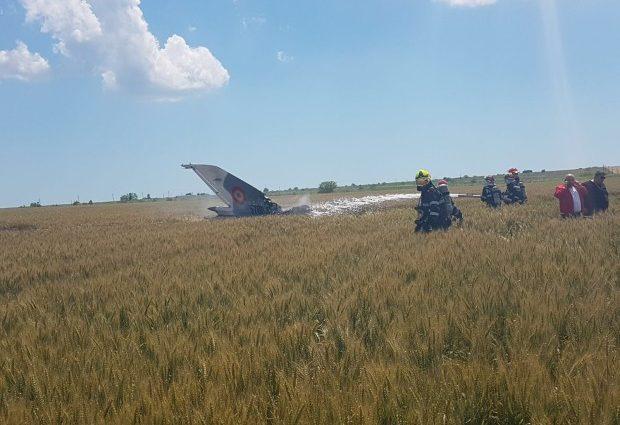 Accident: Un avion MIG 21 Lancer s-a prabușit lângă aeroportul din Constanța (VIDEO)